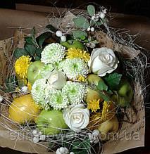 """Веган-букет """"Лимоны,зеленые яблоки,розы белые,зелень"""""""