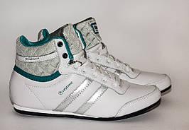 Женские кроссовки Restime 37,38,39 размеры, высокие, демисезонные, белые кроссовки.