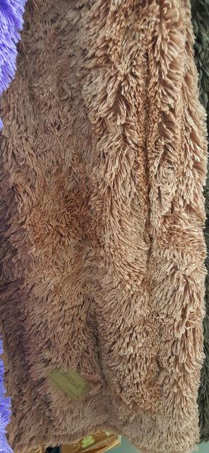 Покрывало-плед меховое с длинным ворсом коричневого цвета
