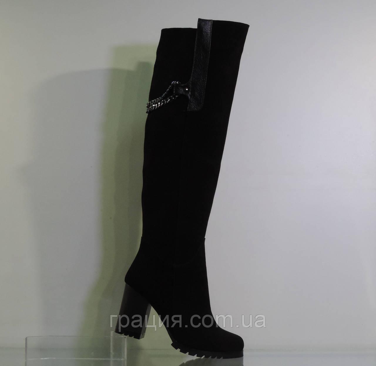 Високі замшеві зимові чоботи на середньому каблуці