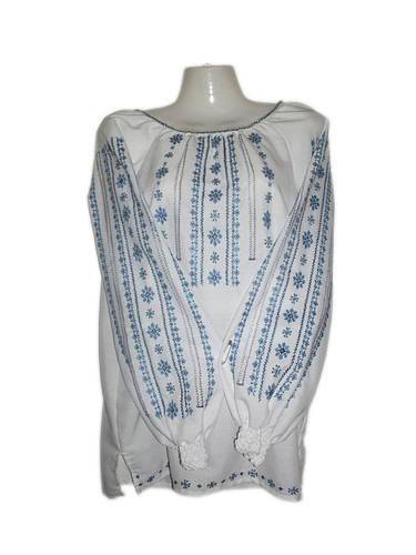 Жіноча вишита блузка ручної роботи