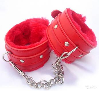 Красные кожаные БДСМ наручники с мехом для садо-мазо игр
