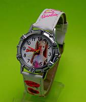 """Детские наручные часы в серебряным корпусом  """"Барби"""", белые"""