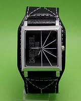 """Мужские молодежные часы на кожаном ремне, прямоугольной формы Diesel Time в металлическом корпусе """"Риолит"""""""