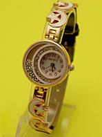 """Женские наручные часы на металлическом золотистом ремешке """"Парад планет"""""""