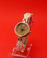 """Женские наручные часы с золотым корпусом и тонким ремешком """"Осенний лист эмаль"""""""