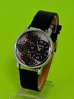 """Женские наручные часы с серебряным корпусом  """"Бабочки на Луне"""""""