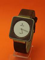 """Женские наручные часы с кожаным ремешком """"Варда"""""""
