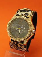 """Женские наручные часы с широким кожаным ремешком """"Варуна"""""""