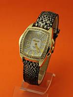 """Женские наручные часы с кожаным ремешком """"Реликт"""""""