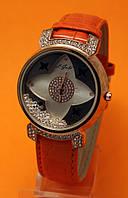 """Женские наручные часы с золотым корпусом, стразами  и оранжевым кожаным ремешком """"Суаньи апельсин"""""""