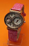 """Женские наручные часы с золотым корпусом, стразами  и розовым кожаным ремешком """"Маффе гортензия"""""""