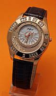 """Женские наручные часы с золотым корпусом, стразами  и коричневым кожаным ремешком """"Тенневилль циния"""""""