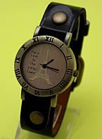 """Наручные часы в винтажном стиле на кожаном ремешке """"Парижанка"""""""