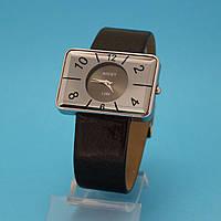 """Женские наручные часы с широким кожаным ремешком """"Тофино"""""""
