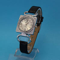 """Женские наручные часы с узким кожаным ремешком """"Льеж"""""""