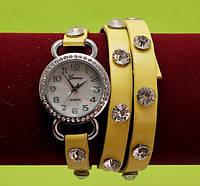 Женские наручные часы-браслет на ремешке со стразами, желтые