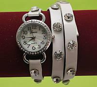 Женские наручные часы-браслет на ремешке со стразами, белые