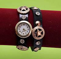 Женские наручные часы-браслет на ремешке со стразами и заклепками, черные