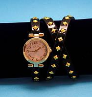 """Женские наручные часы-браслет на кожаном ремешке с заклепками """"Канива"""", коричневые с золотым"""