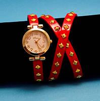 """Женские наручные часы-браслет на кожаном ремешке с заклепками """"Каннонваль"""", красные с золотым"""