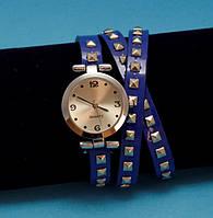 """Женские наручные часы-браслет на кожаном ремешке с заклепками """"Каньонлейт"""", синие с серебряным"""