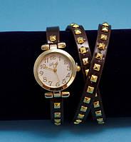 """Женские наручные часы-браслет на кожаном ремешке с заклепками """"Ботвелл"""", коричневые с золотым"""