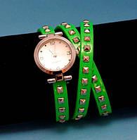 """Женские наручные часы-браслет на кожаном ремешке с заклепками """"Борролула"""", зеленые с серебряным"""