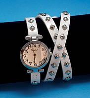 """Женские наручные часы-браслет на кожаном ремешке с заклепками """"Бранкстон"""", белые с серебром"""