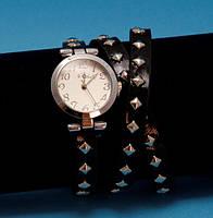 """Женские наручные часы-браслет на кожаном ремешке с заклепками """"Бренксхолм"""", черные с серебром"""
