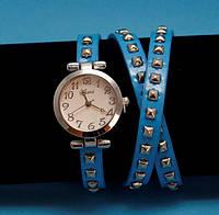 """Женские наручные часы-браслет на кожаном ремешке с заклепками """"Торкуэй"""", синие с серебром"""