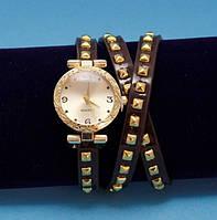 """Женские наручные часы-браслет на кожаном ремешке с заклепками """"Брок"""", коричневые с золотым"""
