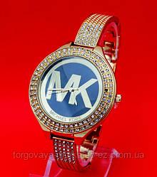 """Женские наручные часы на узком металлическом золотистом ремешке """"Кресуик"""""""