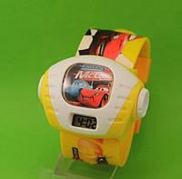 """Детские наручные часы """"Тачки"""", желтые"""