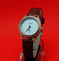 """Женские наручные часы с золотым корпусом и коричневым кожаным ремешком """"Ариана"""""""