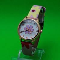 """Женские наручные часы с кожаным ремешком """"Гвоздика Гамма"""""""