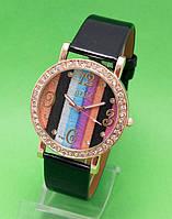 """Женские наручные часы с золотым корпусом и черным кожаным ремешком """"Волшебный клубок"""""""
