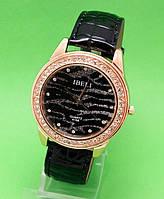 """Женские наручные часы с золотым корпусом и черным кожаным ремешком """"Серебряный бархан"""""""