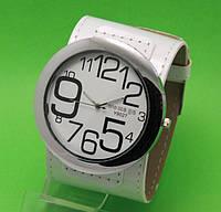 """Женские наручные часы с широким белым кожаным ремешком """"Таласса белая ночь"""""""