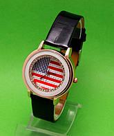 """Женские наручные часы с золотым корпусом и черным ремешком """"Техас"""""""
