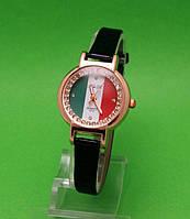"""Женские наручные часы с золотым корпусом и черным ремешком """"Итальянка стразы"""""""