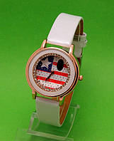 """Женские наручные часы с золотым корпусом и белым ремешком  """"Ковбойка"""""""
