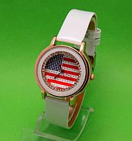 """Женские наручные часы с золотым корпусом и белым ремешком  """"Колумбия"""""""