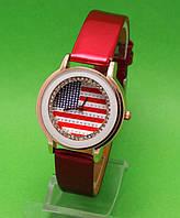 """Женские наручные часы с золотым корпусом и красным ремешком """"Аляска"""""""