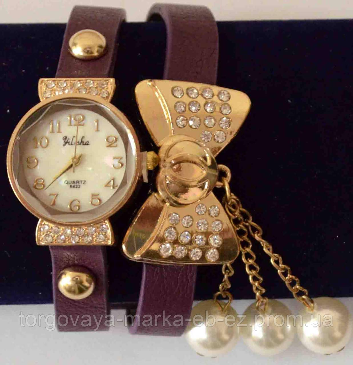 4af9c2cb90b8 Женские наручные золотые часы-браслет на кожаном шнуре с золотым бантом и  стразами