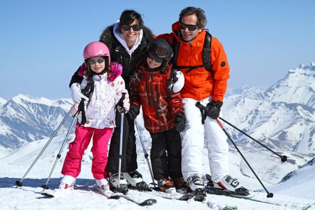Горнолыжная детская, женская и мужская одежда куртки, штаны, перчатки немецкие бренды