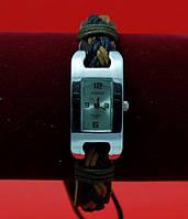 """Женские наручные часы-браслет на плетеном кожаном шнуре """"Бармера"""", коричневый"""