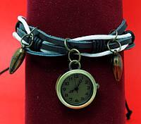 """Женские наручные часы-браслет на кожаном шнуре с подвесками и обмоткой  """"Инджун"""", черный с белым"""