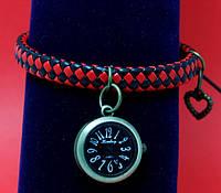"""Женские наручные часы-браслет на плетеном кожаном шнуре """"Митчелл"""", черный с красным"""