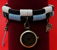 """Женские наручные часы-браслет на плетеном кожаном шнуре с обмоткой и подвесками """"Мори"""", черный"""